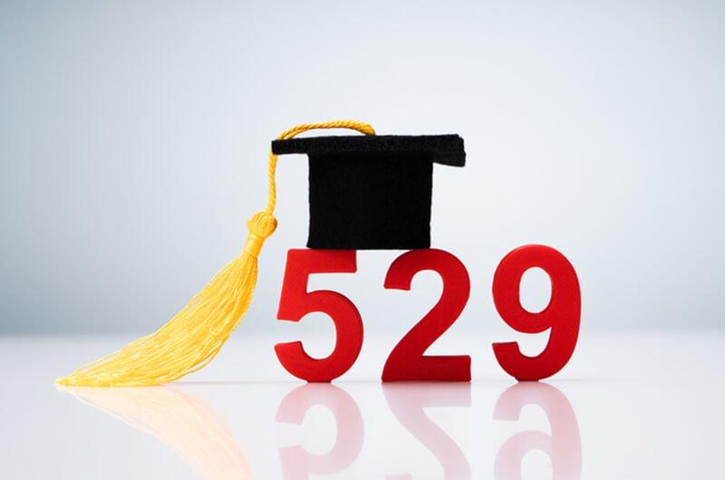 529 graduation hat - financial and college savings planning services farmington c